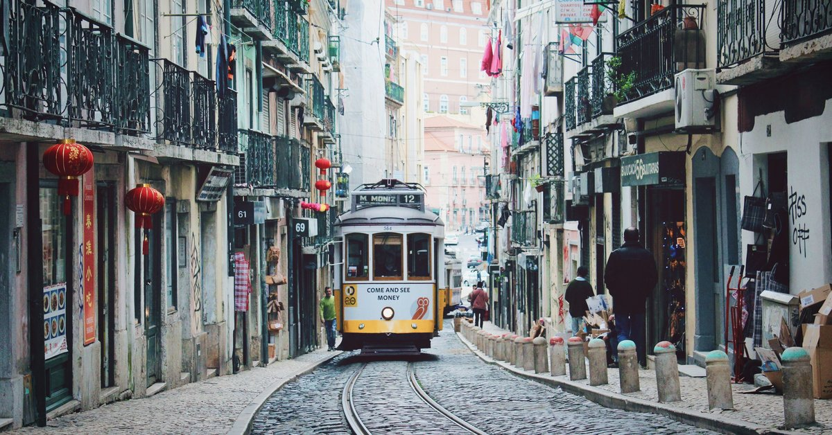 Lisbon city map by Bolt: 25 things to do during the Web Summit