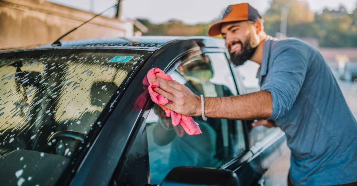 1200x628_the best products for cleaning your car_header2