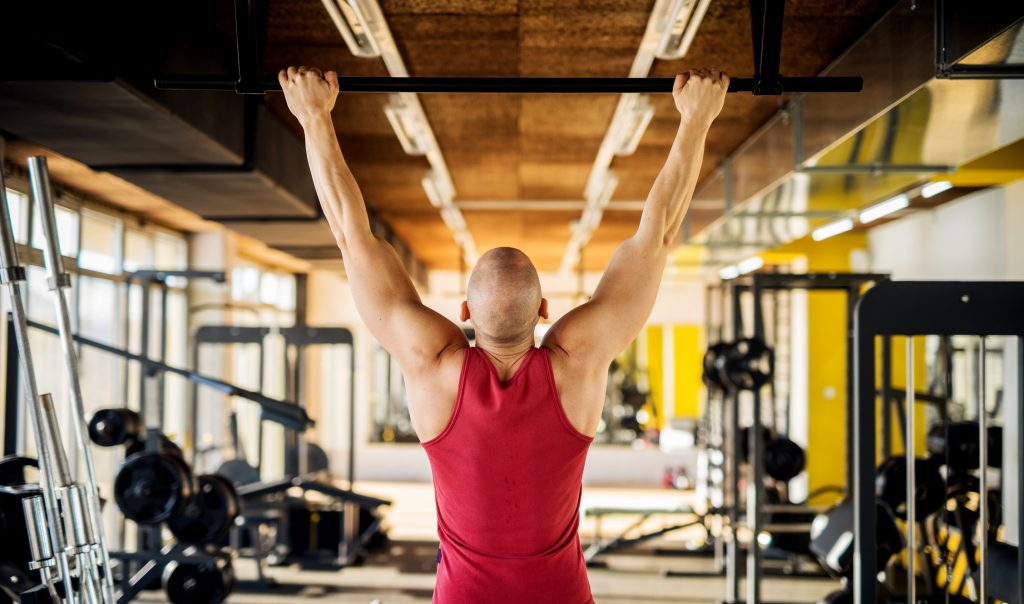 Five simple exercises for people sitting all day_bar hang_EU